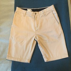 EUC Men's Slim Fit Volcom Shorts